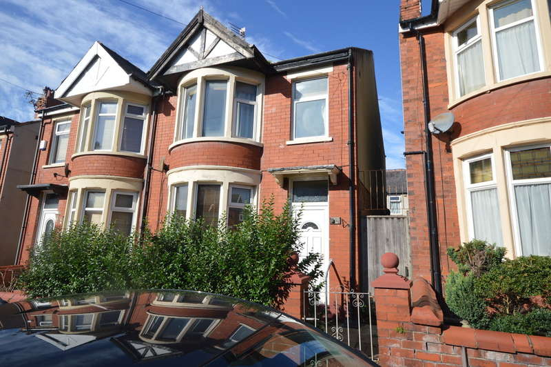 3 Bedrooms Semi Detached House for sale in Rose Avenue, Blackpool