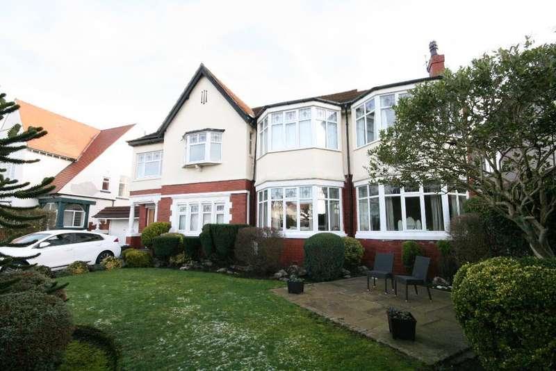 5 Bedrooms Detached House for sale in Argyle Road, Hesketh Park, Southport, PR9 9LD