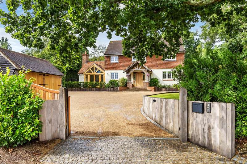 5 Bedrooms Detached House for sale in Huntsland, Turners Hill Road, Crawley Down, Crawley, West Sussex, RH10