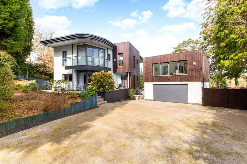 4 Bedrooms Detached House for sale in Coombe Hill Road, East Grinstead, West Sussex, RH19