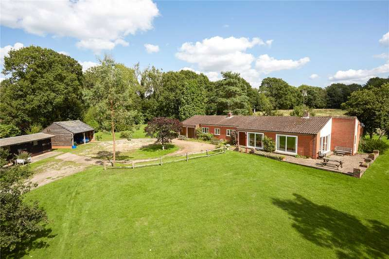 3 Bedrooms Detached House for sale in Northlands Road, Warnham, Horsham, West Sussex, RH12