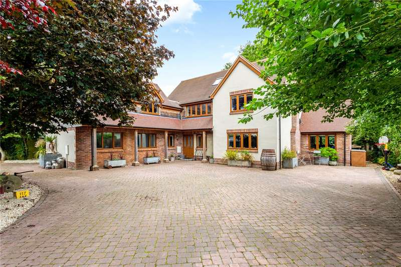 7 Bedrooms Detached House for sale in Bulford Road, Durrington, Salisbury, Wiltshire, SP4