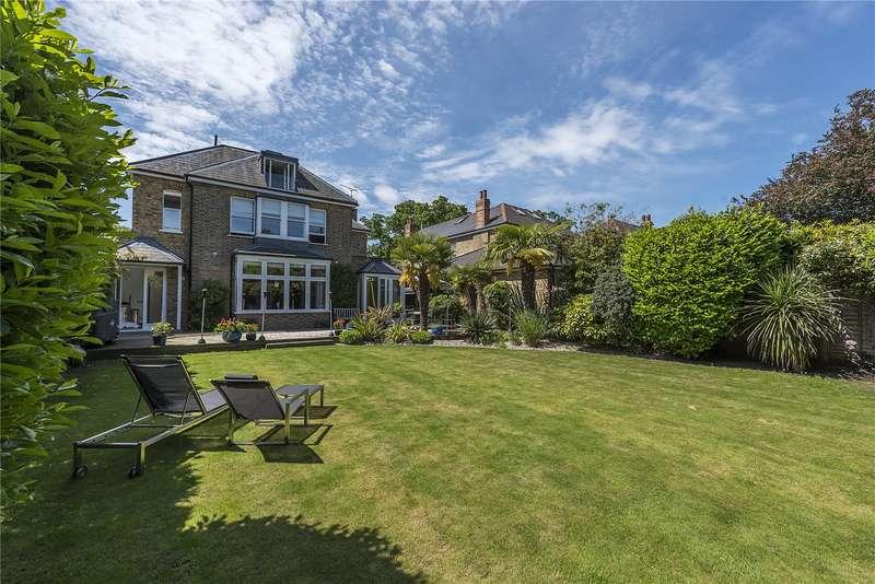 5 Bedrooms Detached House for sale in Sandy Lane, Teddington, TW11