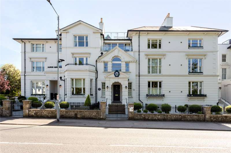 2 Bedrooms Flat for sale in The Residence, 26 Trinity Place, Windsor, Berkshire, SL4