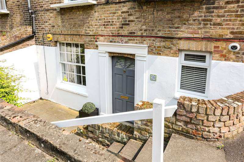 2 Bedrooms Flat for sale in Trinity Place, Windsor, Berkshire, SL4