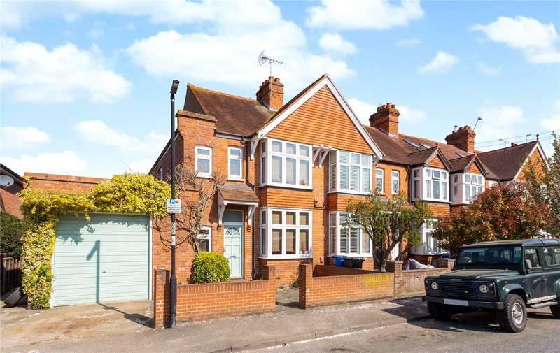 3 Bedrooms Semi Detached House for sale in Elm Road, Windsor, Berkshire, SL4