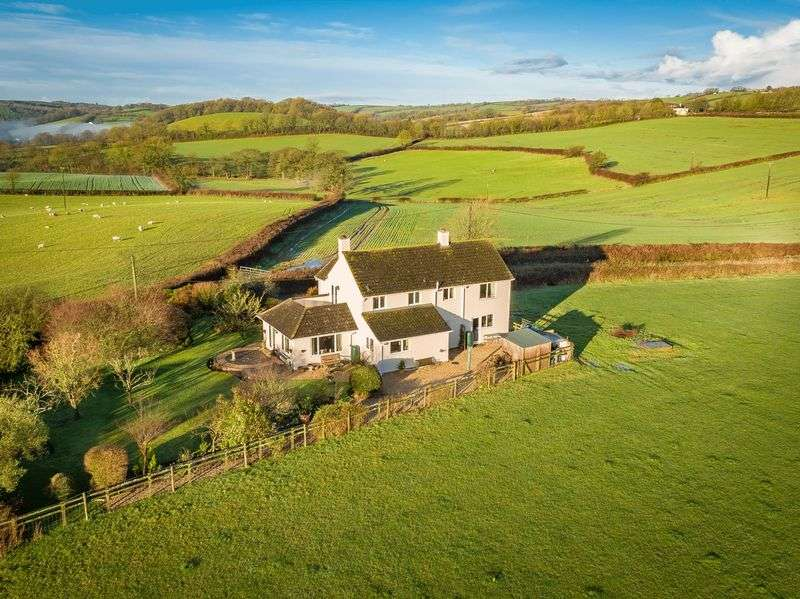 4 Bedrooms Property for sale in Kennerleigh, Crediton
