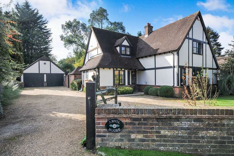 4 Bedrooms Detached House for sale in Kingsingfield Road, West Kingsdown, Sevenoaks, Kent, TN15