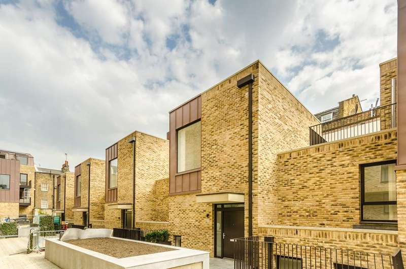 3 Bedrooms House for sale in Hand Axe Yard, King's Cross, WC1X