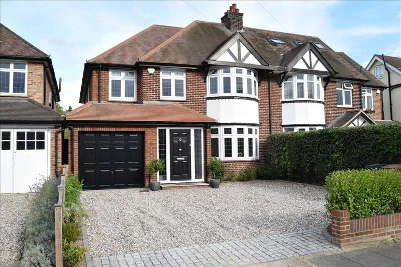 4 Bedrooms Semi Detached House for sale in Roxwell Avenue, Chelmsford