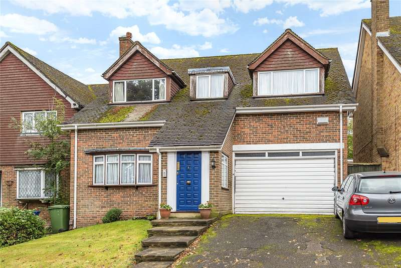 5 Bedrooms Detached House for sale in Wakehams Hill, Pinner, Middlesex, HA5