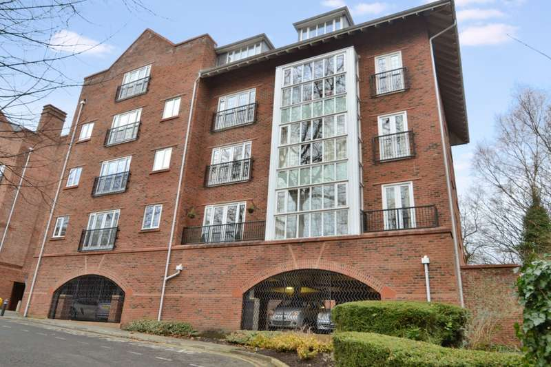 3 Bedrooms Apartment Flat for rent in Central Place Station Road, Wilmslow, SK9