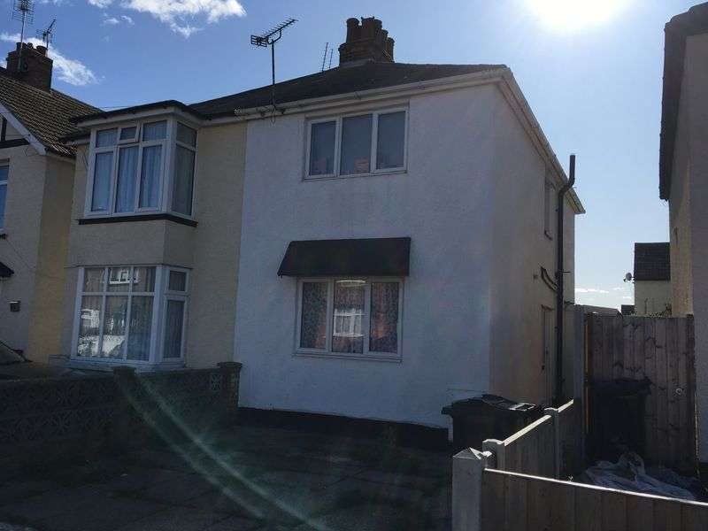 4 Bedrooms Property for sale in Agincourt Road, Clacton-On-Sea