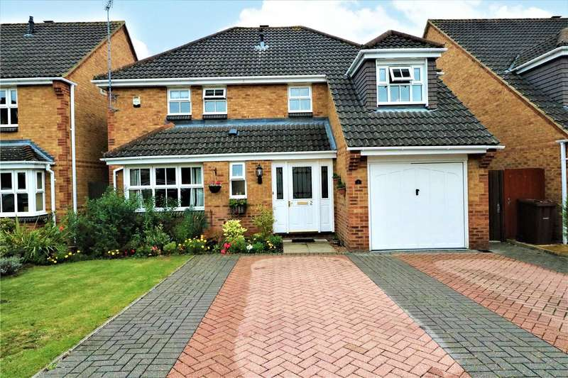 5 Bedrooms Detached House for sale in Heather Gardens, Farnborough, Hampshire, GU14