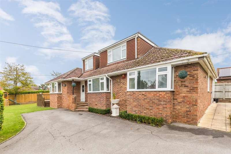 5 Bedrooms Detached House for sale in Theobalds Road, Burgess Hill