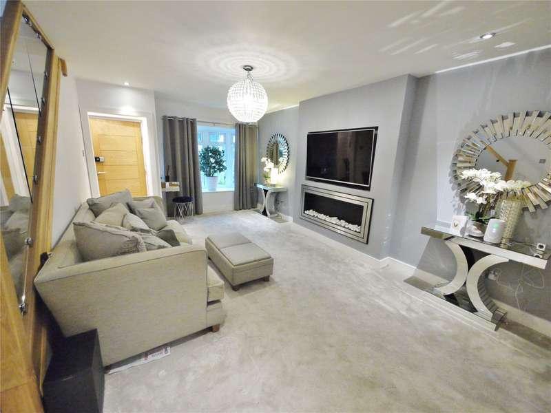 4 Bedrooms Detached House for sale in Kavanaghs Road, Brentwood, Essex, CM14