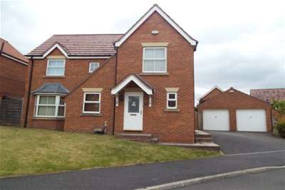 4 Bedrooms Detached House for rent in The Oval, Wakefield