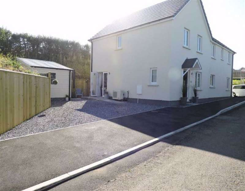 3 Bedrooms Semi Detached House for sale in Heol Llansaint, Ferryside, Kidwelly