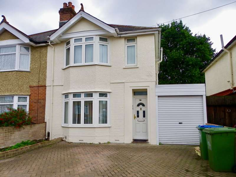 3 Bedrooms Semi Detached House for rent in Lancaster Road, Maybush SO16