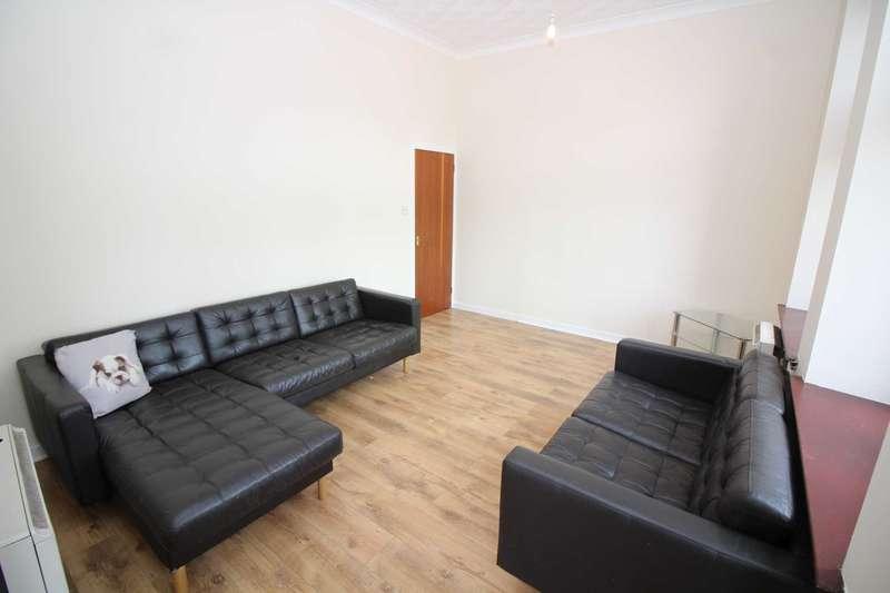 2 Bedrooms Flat for rent in Brewland Street, Galston
