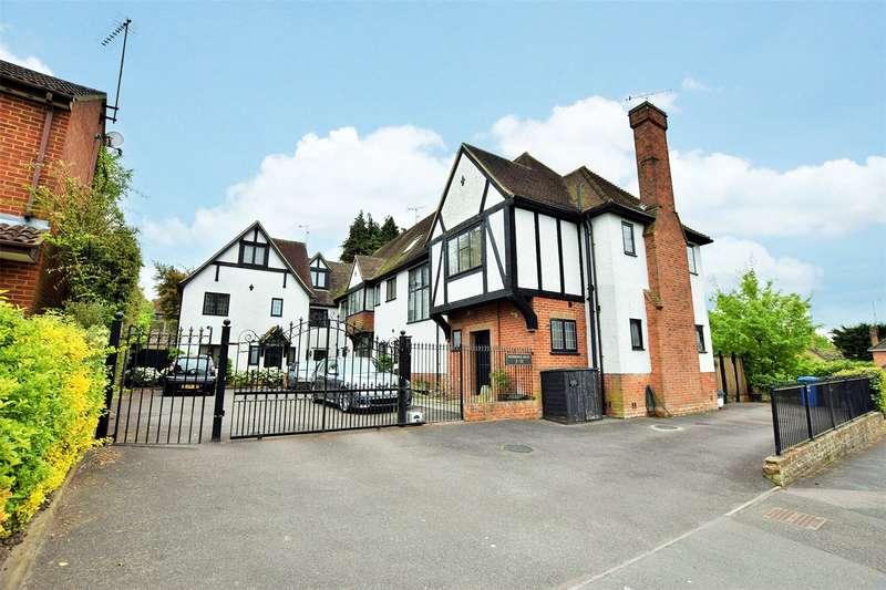 4 Bedrooms Terraced House for rent in Woodridge Close, Bracknell, Berkshire, RG12