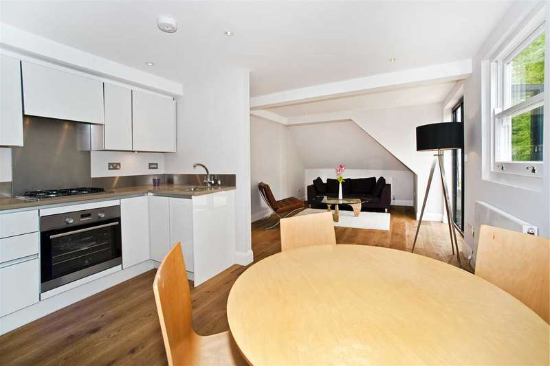 2 Bedrooms Flat for rent in Goldhawk Road, Hammersmith W6