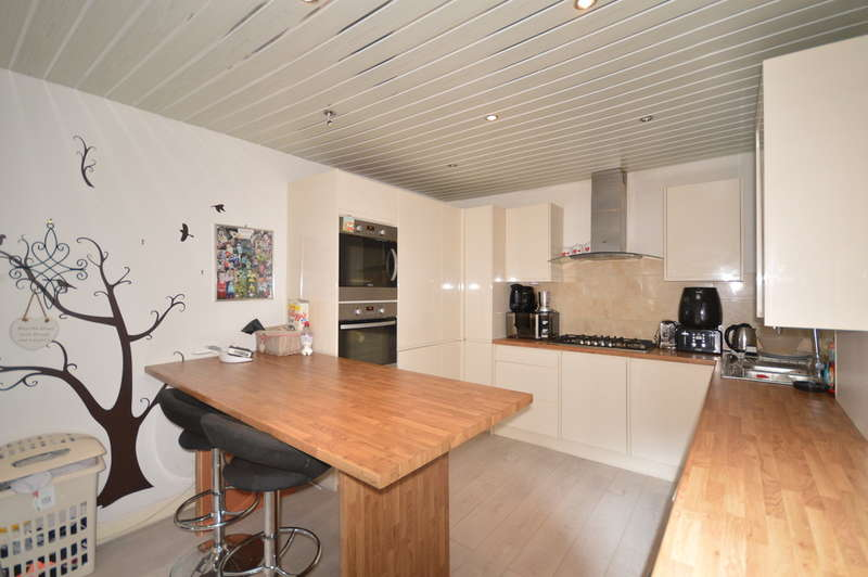 4 Bedrooms Terraced House for sale in First Avenue, South Shore