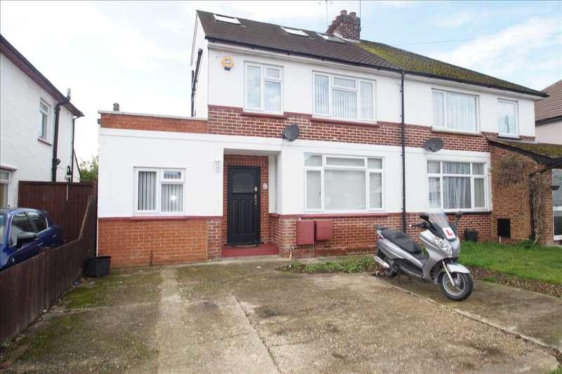 5 Bedrooms Semi Detached House for sale in Blumfield Crescent, Burnham