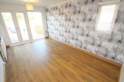 1 Bedroom Bungalow for sale in Martyrs Place, Bishopbriggs