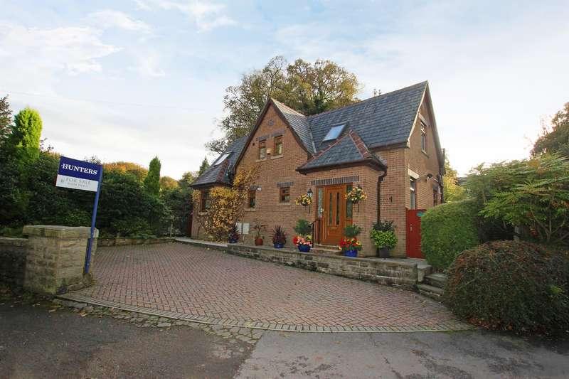 3 Bedrooms Detached House for sale in Woodlands Lodge, Park Road, Darwen, BB3 2LQ