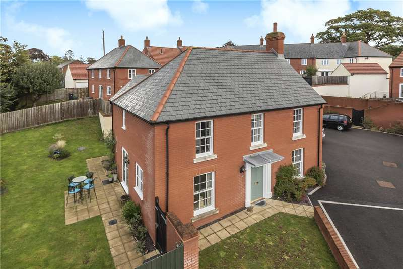 4 Bedrooms Detached House for sale in Welch Close, Axminster, Devon, EX13