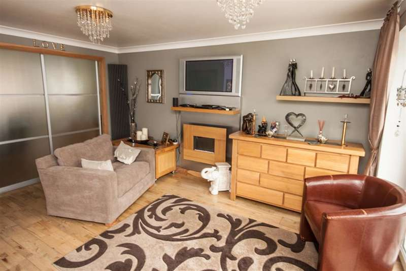 4 Bedrooms Detached House for sale in Mavor Avenue, Burntwood, WS7 1ZU