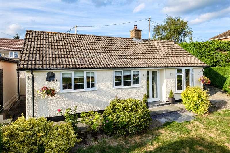 2 Bedrooms Bungalow for sale in Crossgates, Llandrindod Wells, LD1 5SN