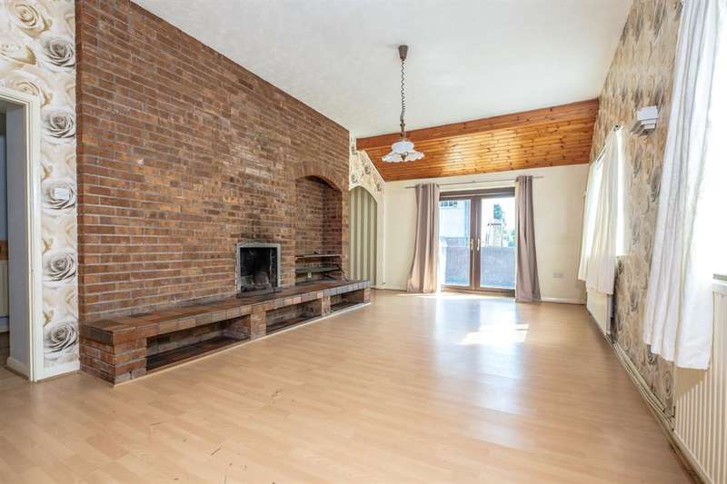 3 Bedrooms Detached Bungalow for sale in Arosfa, Spa Road, Llandrindod Wells, LD1 5ER