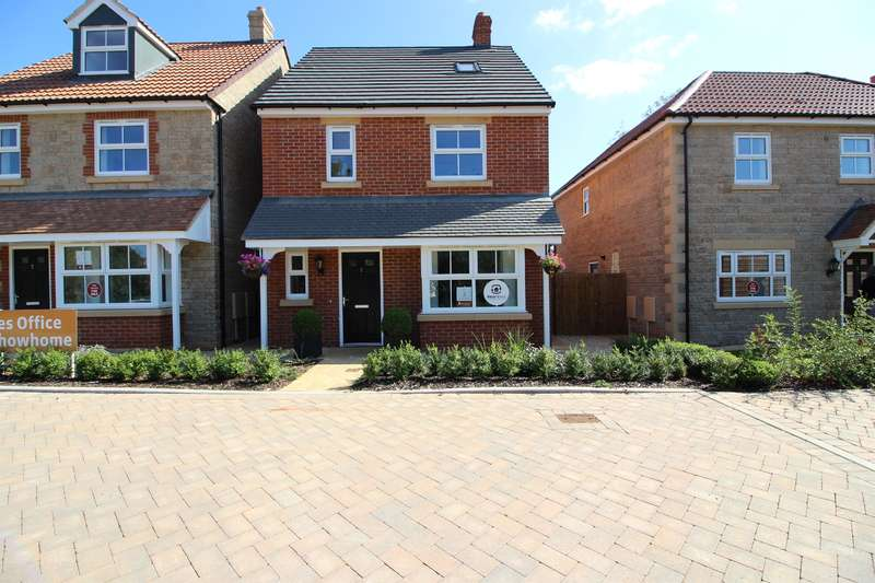 4 Bedrooms Detached House for sale in Broad Lane, Yate, Bristol, BS37 7LA