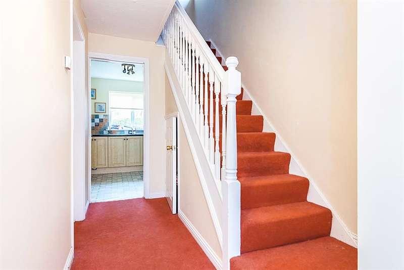 3 Bedrooms Detached House for sale in Saddlers Croft, Castleford, WF10 3TJ