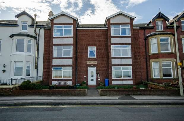 2 Bedrooms Flat for sale in The Esplanade, Knott End-on-Sea, Poulton-le-Fylde, Lancashire