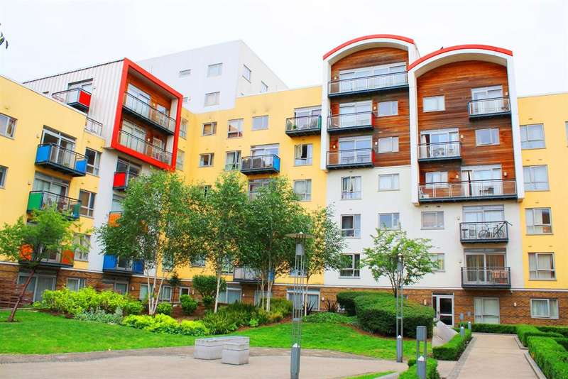 2 Bedrooms Flat for sale in Holly Court, North Greenwich, SE10