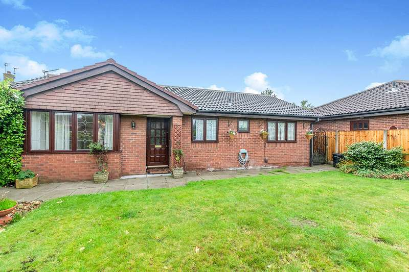 3 Bedrooms Detached Bungalow for sale in Blackbrook Close, Widnes, Cheshire, WA8