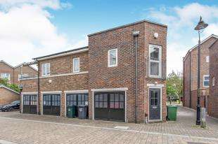 1 Bedroom Flat for sale in St Clements Road, Ingress Park, Greenhithe, Kent