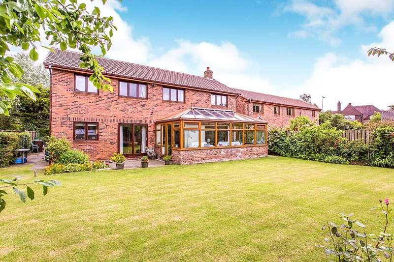 4 Bedrooms Detached House for sale in Fernyhalgh Gardens, Fulwood, Preston, PR2