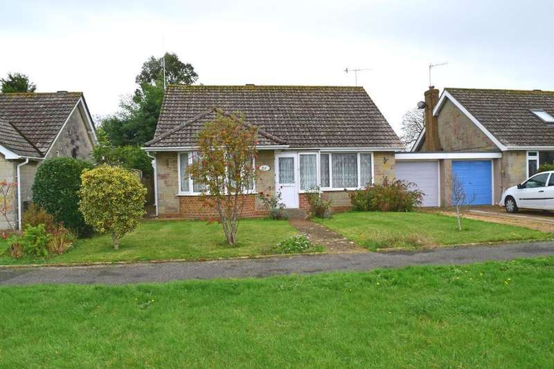 4 Bedrooms Bungalow for sale in Walls Road, Bembridge, Isle of Wight, PO35 5RA