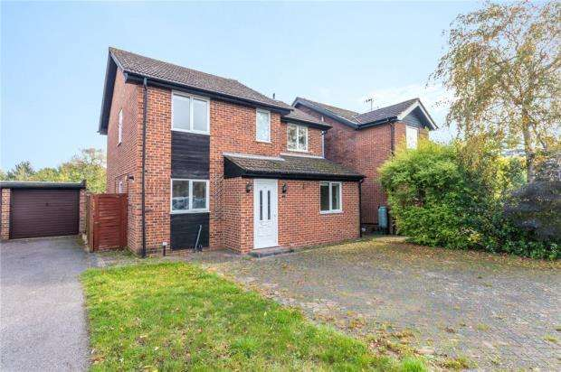 4 Bedrooms Detached House for sale in The Grange, Old Windsor, Windsor