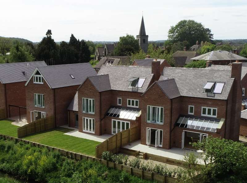 4 Bedrooms Detached House for sale in Wentworth Place, Off Dove Lane, Rocester