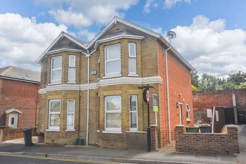 3 Bedrooms Semi Detached House for sale in New Road, Brading