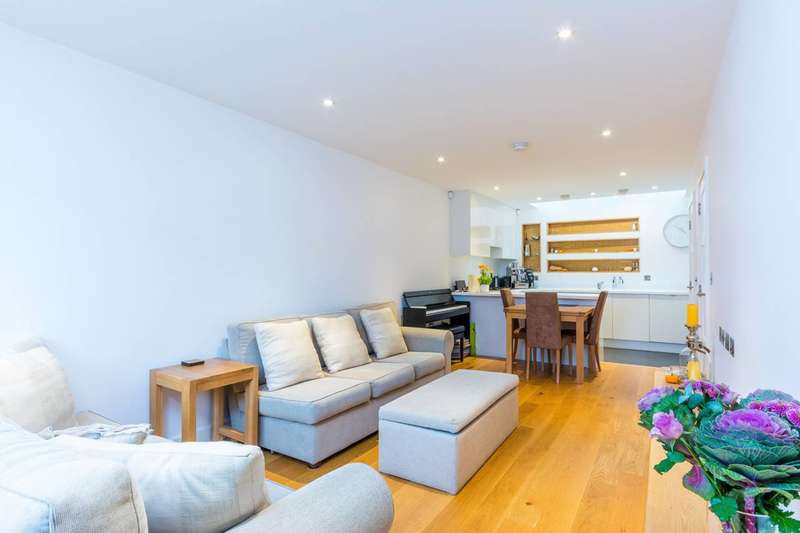 2 Bedrooms Mews House for sale in Beaumont Road, Chiswick, W4