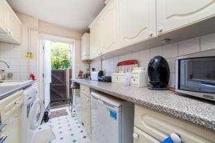 1 Bedroom Flat for sale in Poplar Place, London