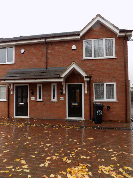 2 Bedrooms Semi Detached House for rent in BRIERLEY HILL, West Midlands, DY5