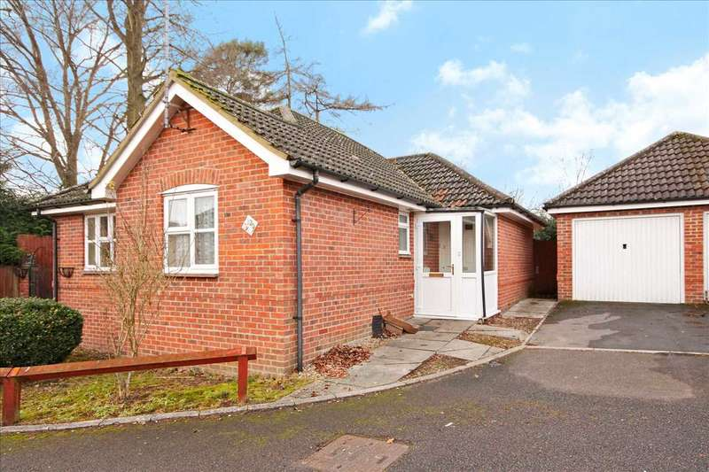 2 Bedrooms Bungalow for sale in Firsway, Whitchurch