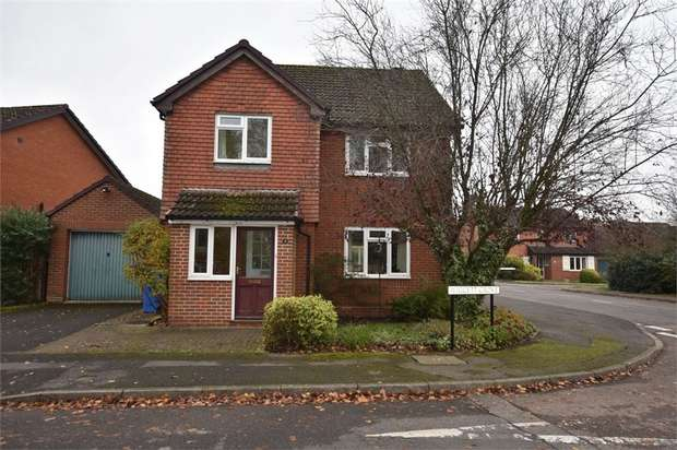 4 Bedrooms Detached House for sale in Wiggett Grove, Foxley Fields, Binfield, Berkshire